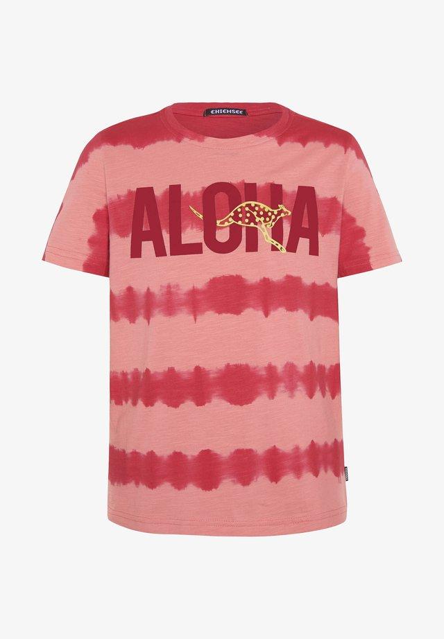IM BATIK LOOK - Print T-shirt - poinsettia