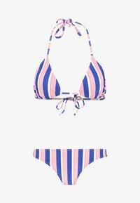 medium blue/light pink