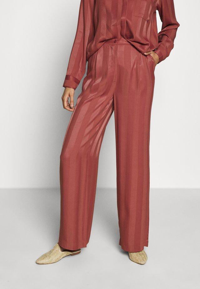 MAYA - Trousers - ketchup