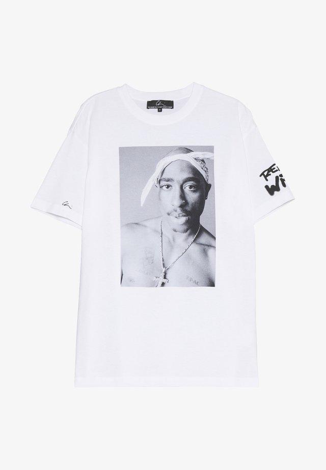 REALITY  - T-shirt con stampa - white/print black