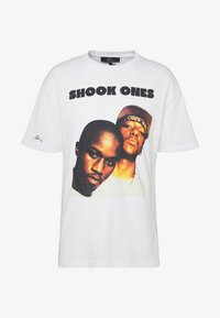 Chi Modu - SHOOK ONES - T-shirt imprimé - white / black - 3
