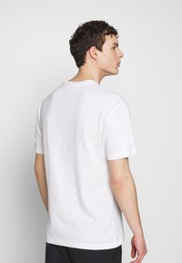 Chi Modu - SHOOK ONES - T-shirt imprimé - white / black - 2