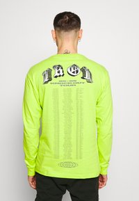 Chi Modu - THE PEOPLES CHAMP 2 - T-shirt à manches longues - neon green - 2