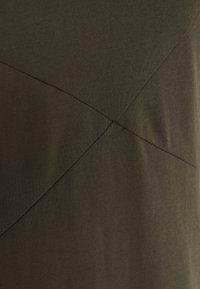 Casa Amuk - ASYMMETRIC DRESS - Denní šaty - midnight - 2