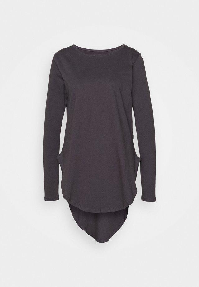 LONG SLEEVE TEARDROP TEE - Langærmede T-shirts - asphalt