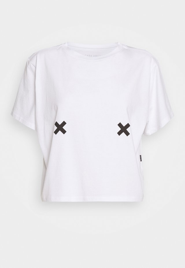 FREE THE NIPPLE TEE - Print T-shirt - white