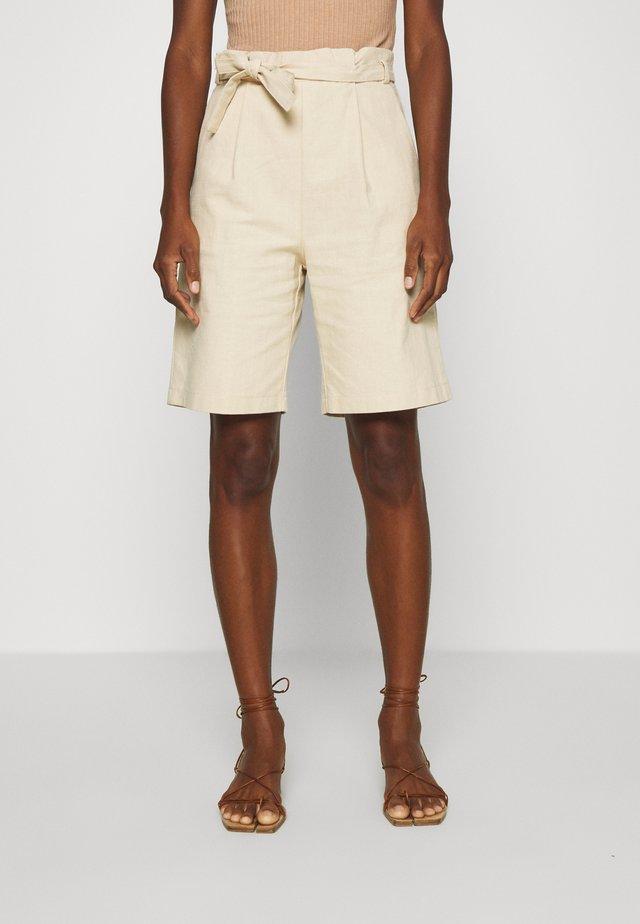 HIGH WAISTED - Shorts - natural