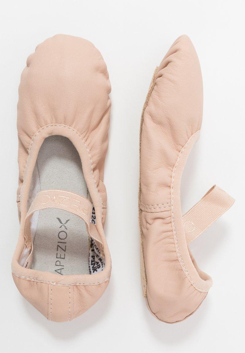 Capezio - BALLET SHOE  - Gym- & träningskor - pink