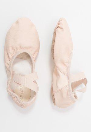 BALLET SHOE HANAMI - Gym- & träningskor - pink