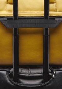 Castelijn & Beerens - Briefcase - yellow - 5