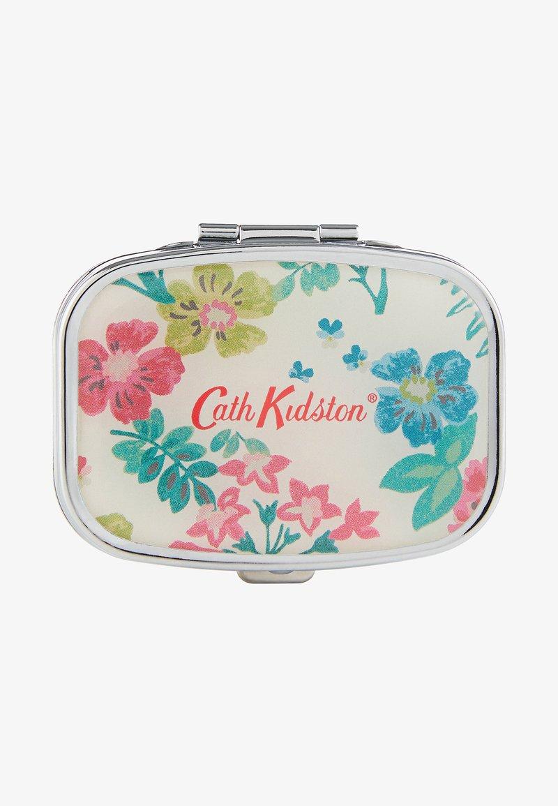 Cath Kidston Beauty - TWILIGHT GARDEN COMPACT MIRROR LIP BALM - Lip balm - -