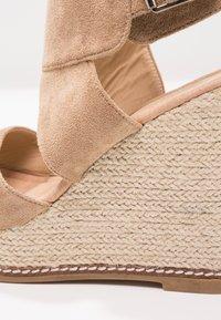 Cassis côte d'azur - FRIDA - Korolliset sandaalit - beige - 2