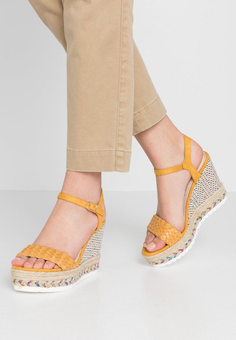Cassis côte d'azur - CASSANDRA - High heeled sandals - jaune