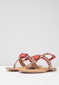 Cassis côte d'azur - INUL - T-bar sandals - rouge - 3