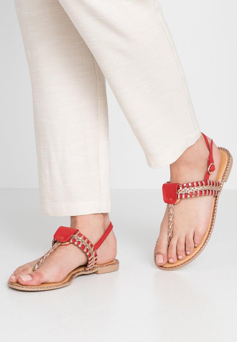 Cassis côte d'azur - INUL - T-bar sandals - rouge
