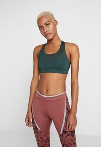 Casall - ICONIC SPORTS BRA - Sports-bh'er - turning green - 0