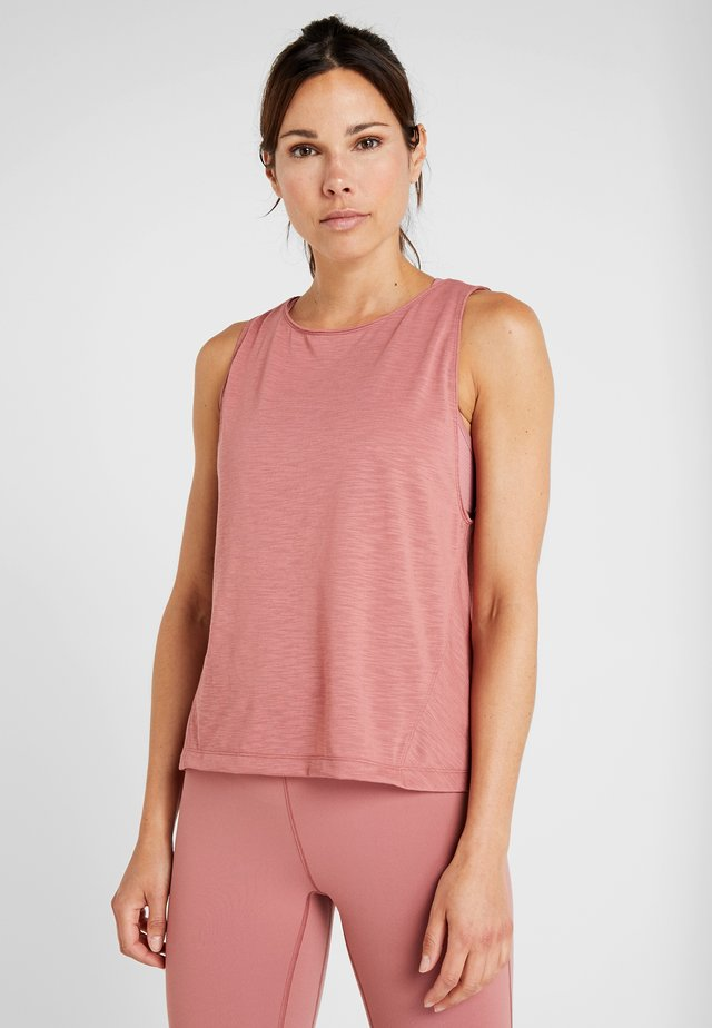 CROSSWAYS TEXTURED TANK - Linne - calming red