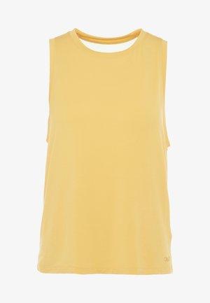 LUSH MUSCLE TANK - Linne - golden yellow