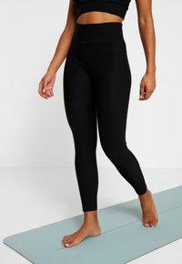 Casall - VISION SHINY HIGH WAIST - Legging - black - 0