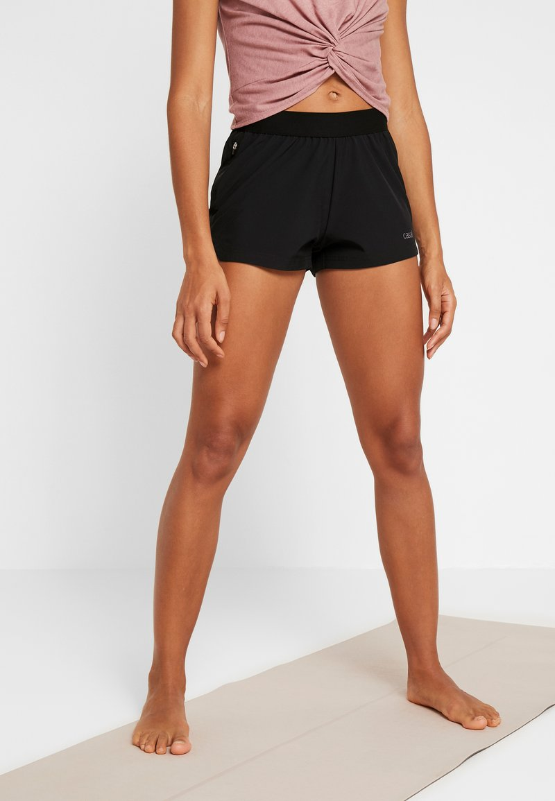 Casall - LIGHT SHORTS - kurze Sporthose - black