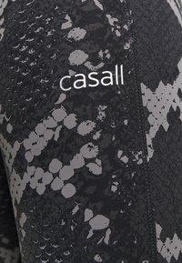 Casall - SNAKE  - Tights - grey snake - 4