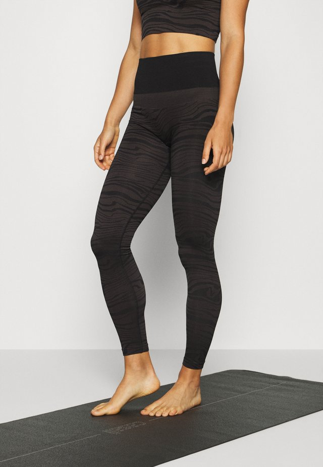 SEAMLESS MELTED - Legging - melted brown