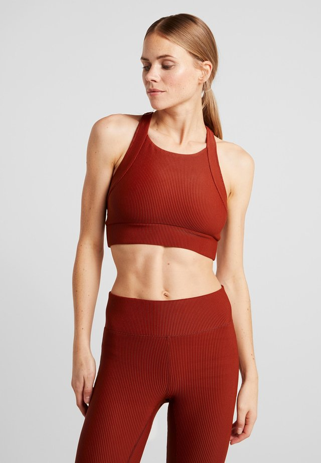 VISION SHINY SPORTS - Sports bra - brave brown