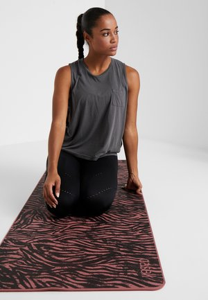 EXERCISE MAT CUSHION 5MM - Fitness / yoga - calming red