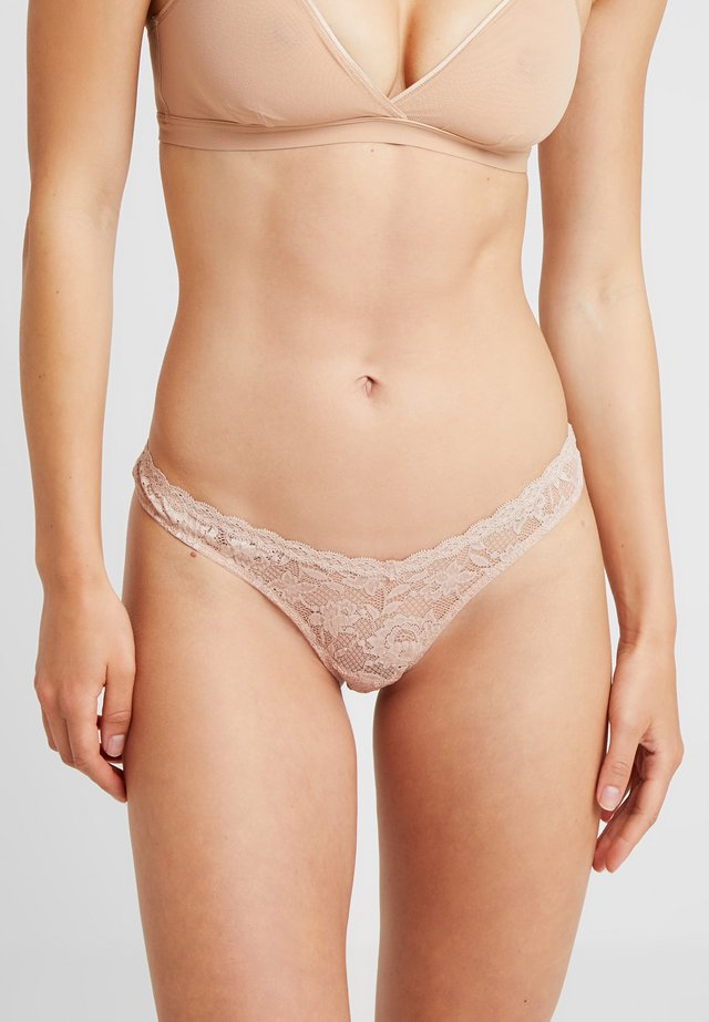 ROXIE V THONG - String - nude