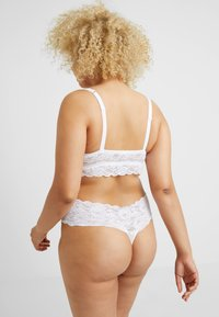 Cosabella - NEVER SAY NEVER PLUS LOVELIE THONG - String - white - 2
