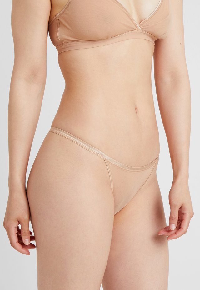 SOIRE CONFIDENCE ITALIAN THONG - String - nude