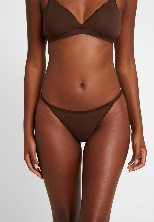 SOIRE CONFIDENCE ITALIAN THONG - String - brown