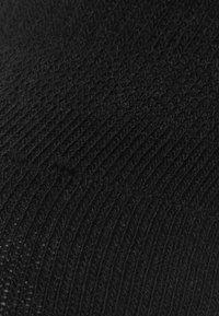 camano - 4 PACK - Trainer socks - black - 1