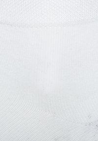 camano - BOX 7 PACK - Socks - white - 2