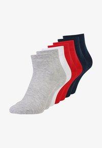true red/fog melange/blue/white