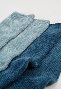 camano - CHINILLE SOCKS 4 PACK - Socken - blue - 2