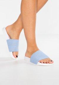 CALANDO - Pantofle - white - 0