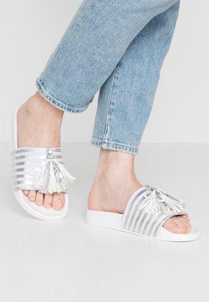 Sandalias planas - white