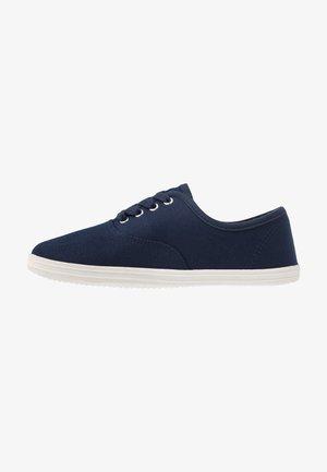 Sneakers laag - dark blue