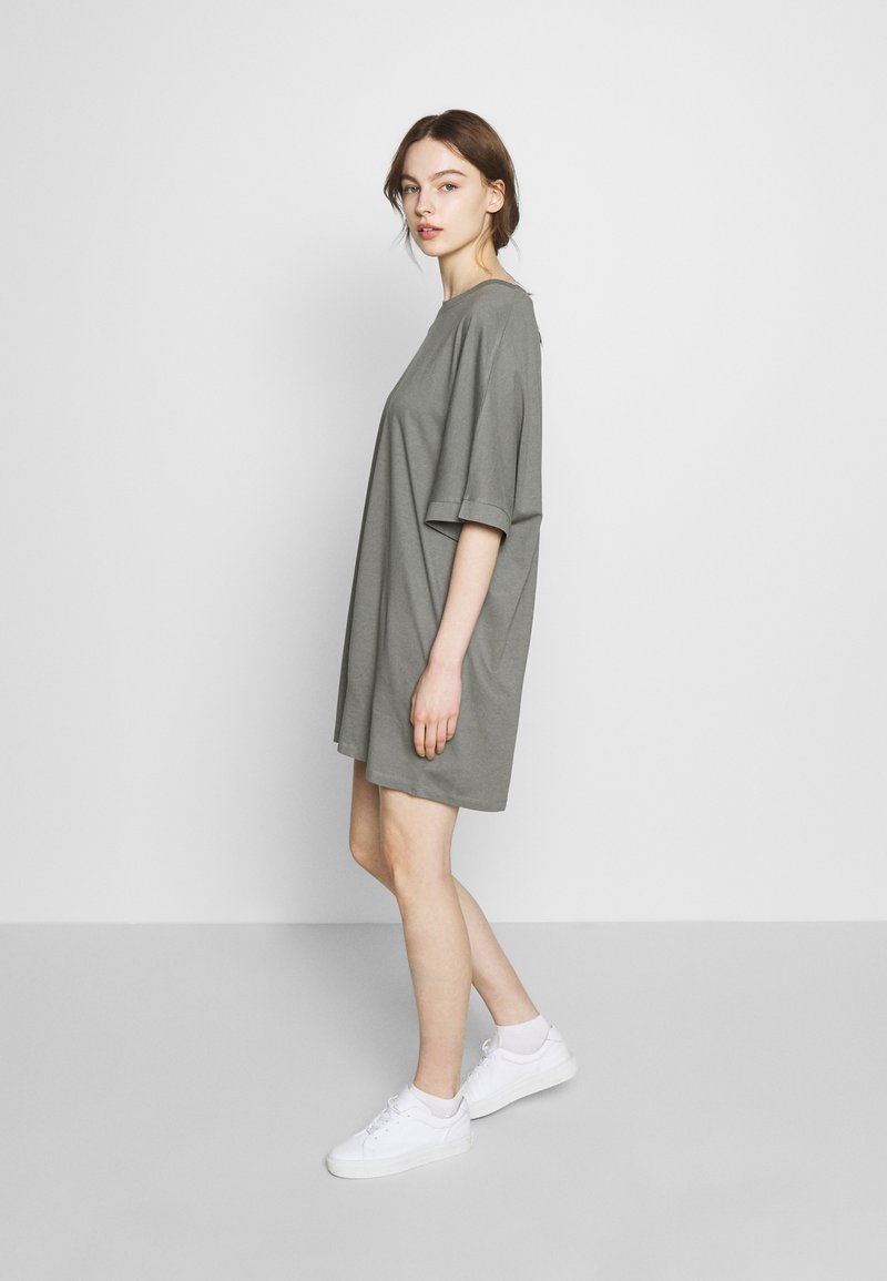 CALANDO - T-SHIRT DRESS - Jersey dress - moon mist