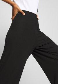 CALANDO - THE COMFY CULOTTE - Trousers - black - 3
