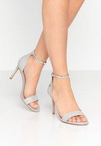 Carvela - GRIDDLE - Sandaler med høye hæler - grey - 0