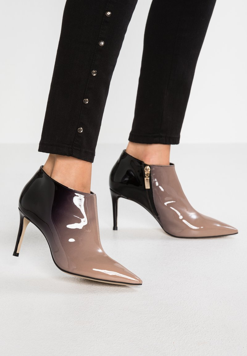 Carvela - SALLY - Ankle boots - beige