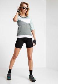 Craft - HALE - T-Shirt print - plexi/gravity - 1