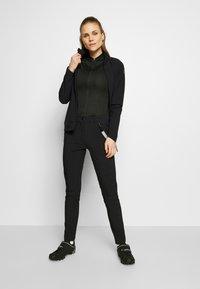 Craft - ESSENCE - T-shirt - bas - black - 1