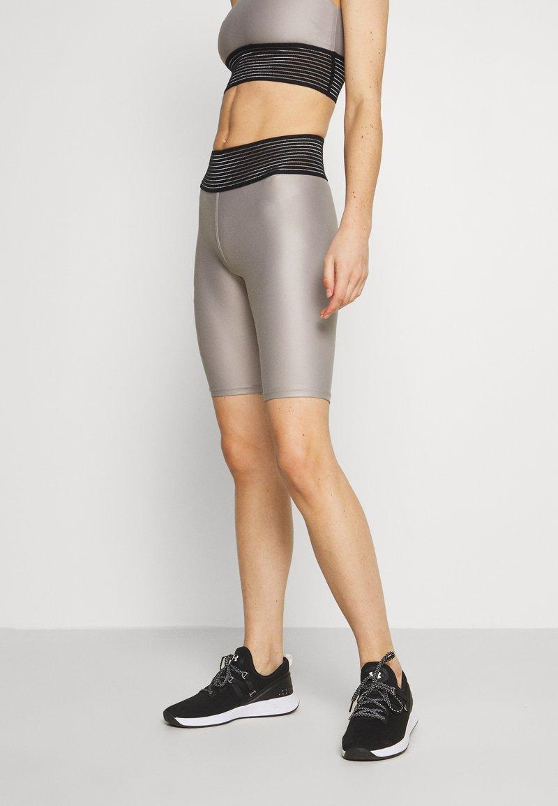 Craft - SHINY SHORTS - Leggings - ash