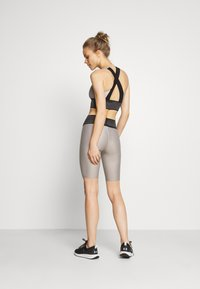 Craft - SHINY SHORTS - Leggings - ash - 2