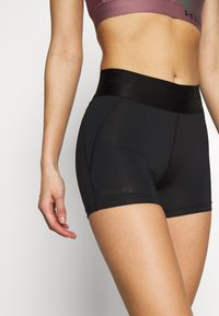 Craft - CORE ESSENCE HOT PANTS  - Tights - black - 4