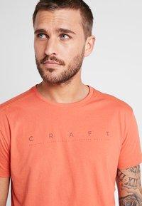Craft - DEFT 2.0 TEE - Camiseta estampada - pepper - 4