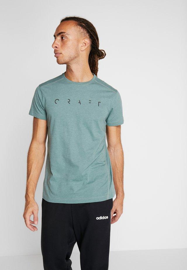 DEFT 2.0 TEE - T-shirts print - moss melange